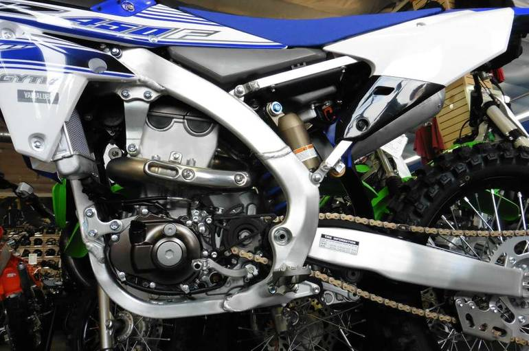 See more photos for this Yamaha YZ450F Team Yamaha Blue / White, 2016 motorcycle listing