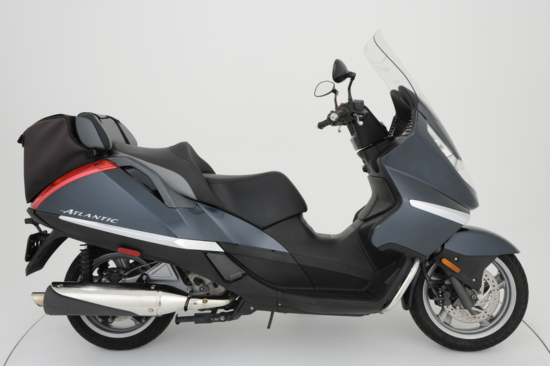 2004 Aprilia Atlantic 500, motorcycle listing