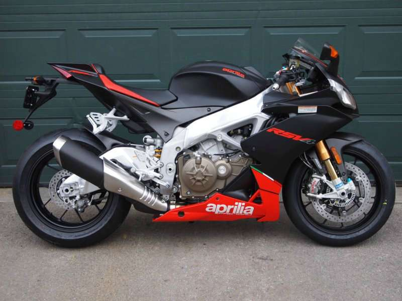 See more photos for this Aprilia RSV4 FACTORY EDITION, 2015 motorcycle listing