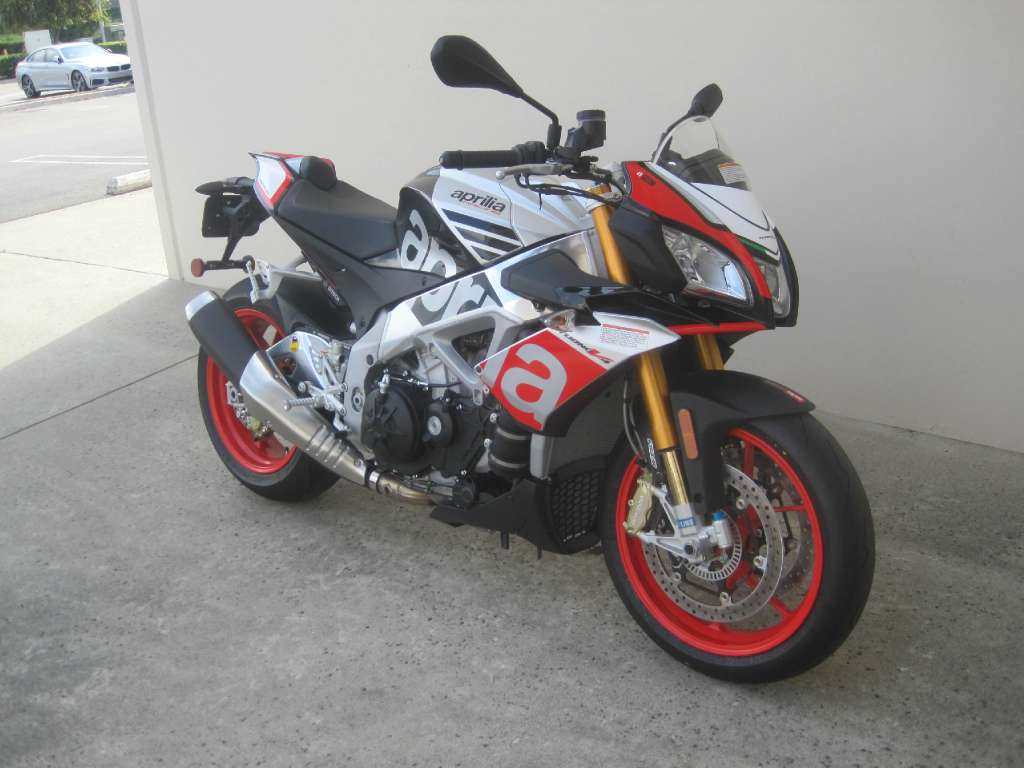 See more photos for this Aprilia Tuono V4 1100 Factory ABS, 2016 motorcycle listing