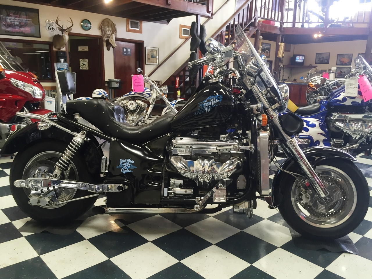 See more photos for this Boss Hoss BHC-3 , 1999 motorcycle listing
