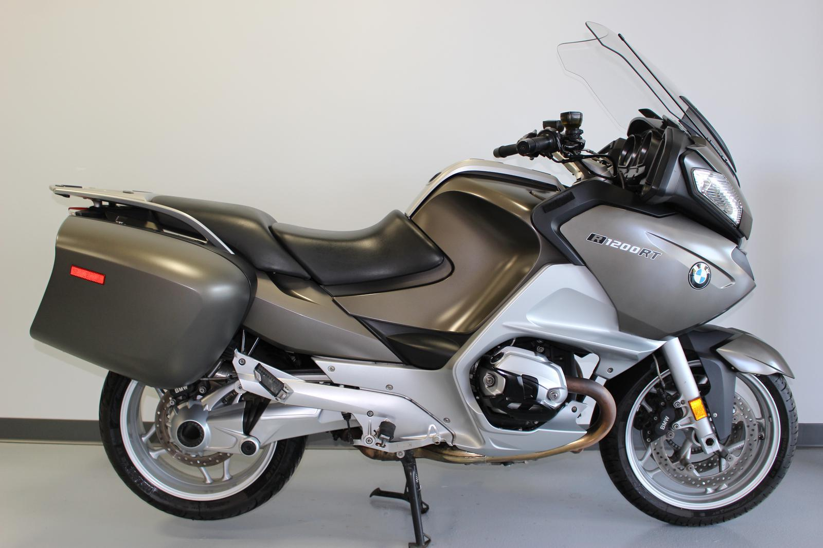 2010 bmw r 1200 rt sport touring motorcycle from de pere wi today sale 13 999. Black Bedroom Furniture Sets. Home Design Ideas