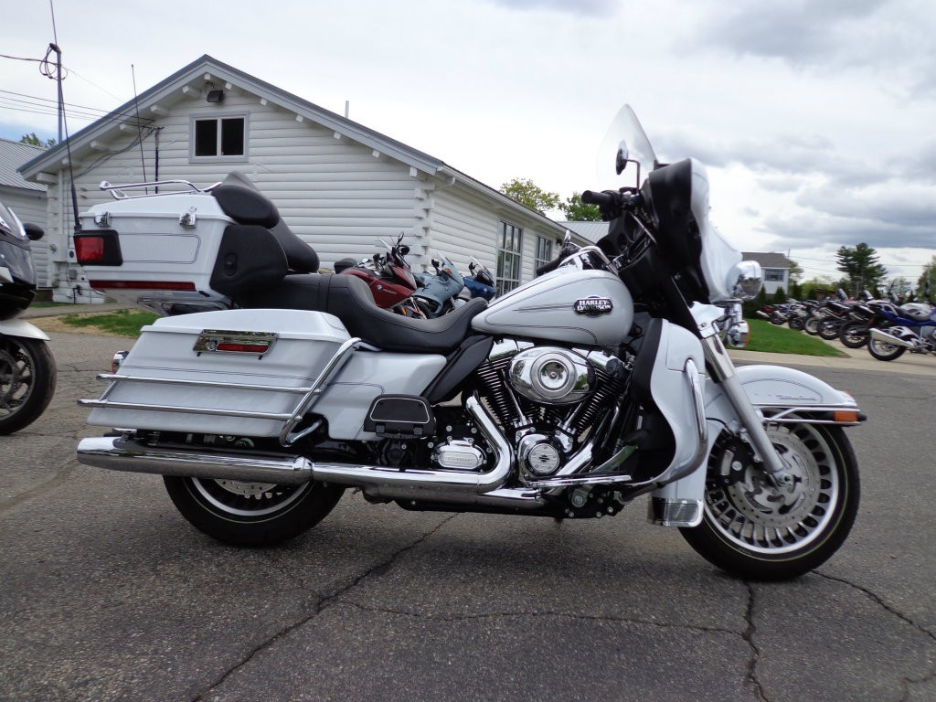 2012 BMW ULTRA CLASSIC ELECTR, motorcycle listing