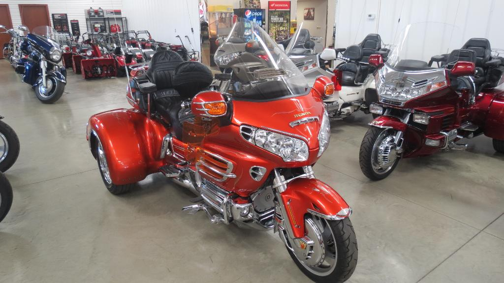 2003 California Side Car GL1800 C.S.C.Trike, motorcycle listing