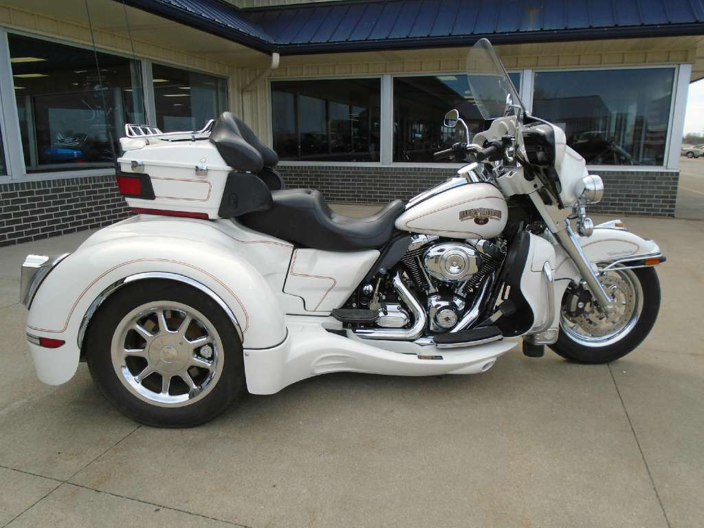 See more photos for this California Sidecar FLHTCU - ULTRA CLASS, 2013 motorcycle listing