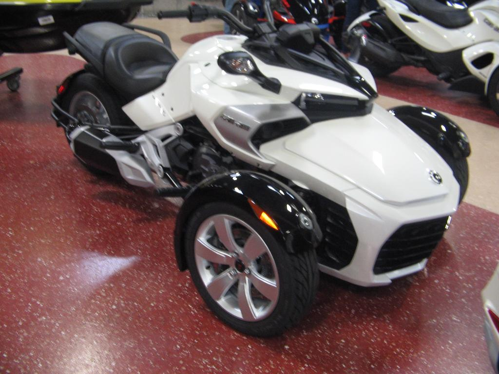 2015 can am spyder f3 se6 cruiser motorcycle from escondido ca today sale 12 999. Black Bedroom Furniture Sets. Home Design Ideas