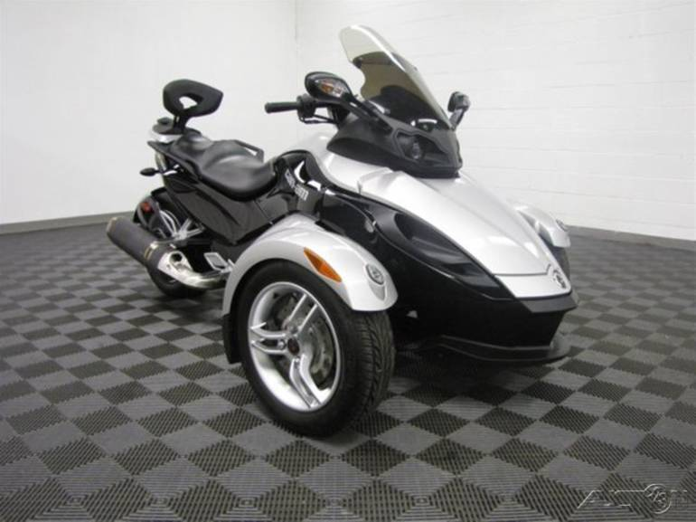 2009 Can-Am  Spyder GS, motorcycle listing