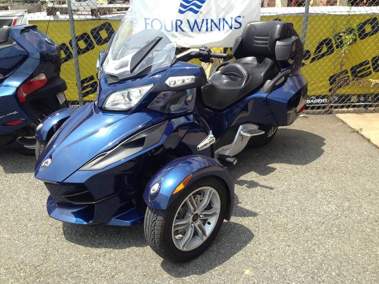 2010 Can-Am SPYDER RT SE5, motorcycle listing