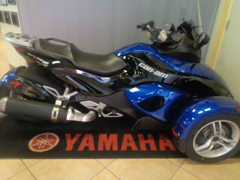 2010 Can-Am Spyder RS SM5, motorcycle listing