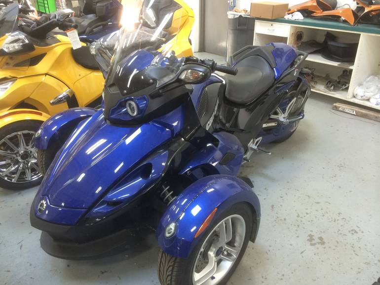 2010 Can-Am Spyder RS, motorcycle listing