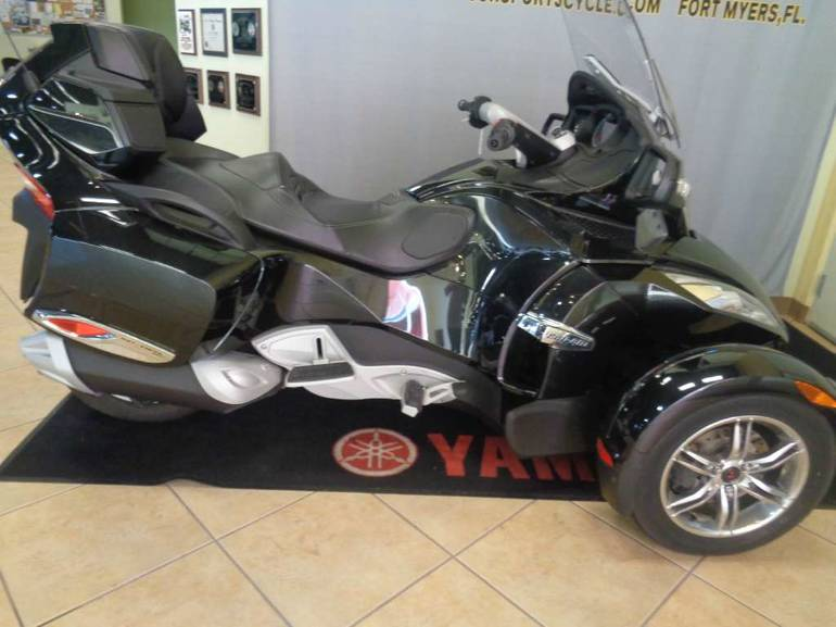 2010 Can-Am Spyder RT SM5, motorcycle listing