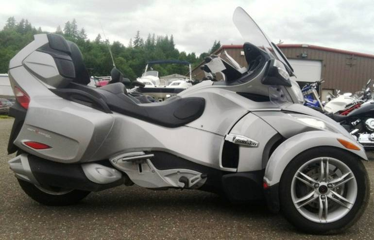 2010 Can-Am Spyder Roadster RT-S, motorcycle listing
