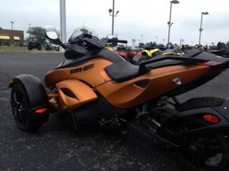 2011 Can Am RSS SM5, motorcycle listing