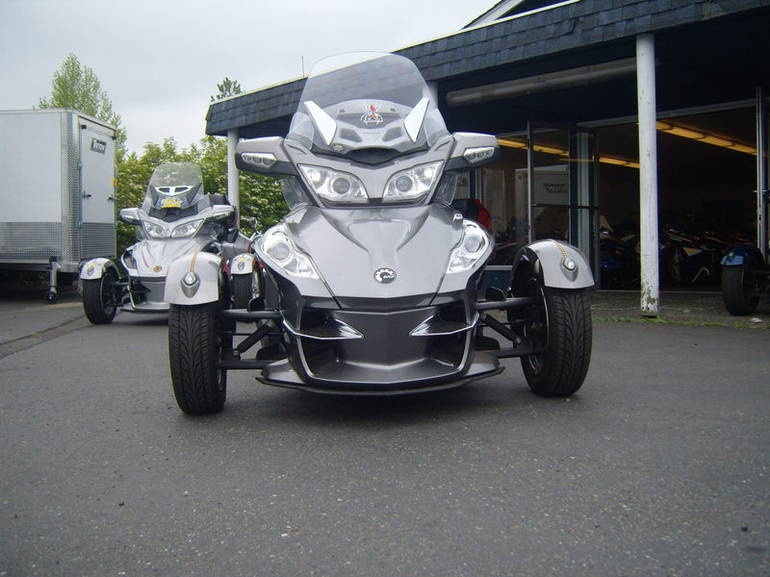 2011 Can-Am RT-S SE5, motorcycle listing