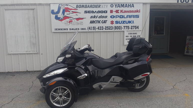 2011 Can-Am RTS SE5, motorcycle listing