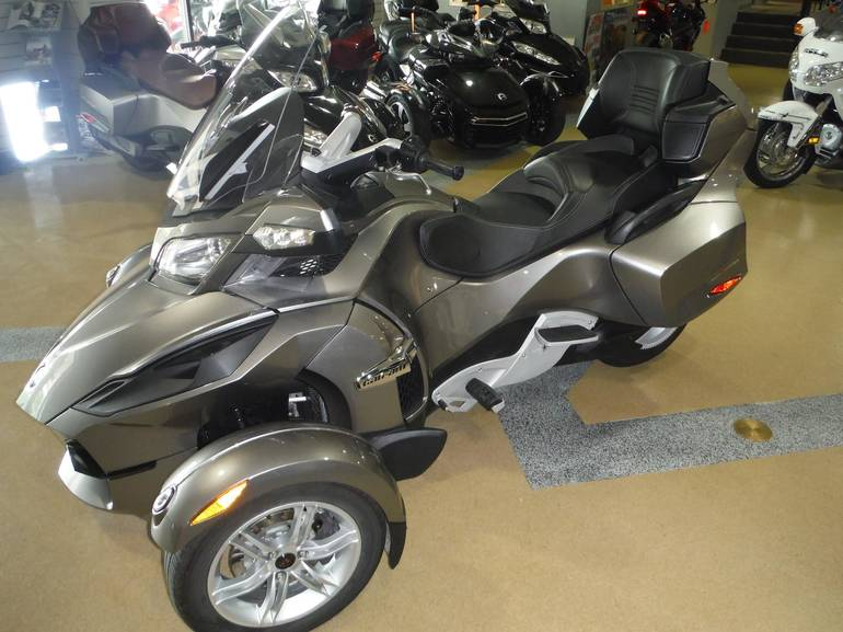 2011 Can-Am SPYDER RT-SM5, motorcycle listing
