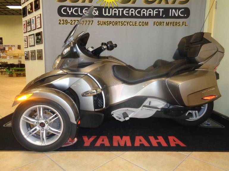 2011 Can-Am Spyder RT Audio & Convenience SM5, motorcycle listing