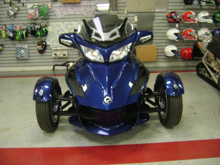 2011 Can-Am Spyder RT (Audio and Convenience), motorcycle listing
