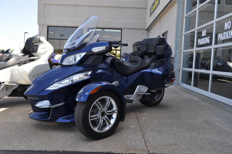 2011 Can-Am Spyder RT-S SM5, motorcycle listing