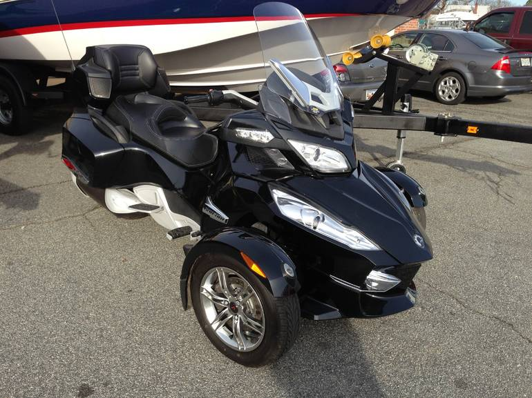 2011 Can-Am Spyder RT-S, motorcycle listing