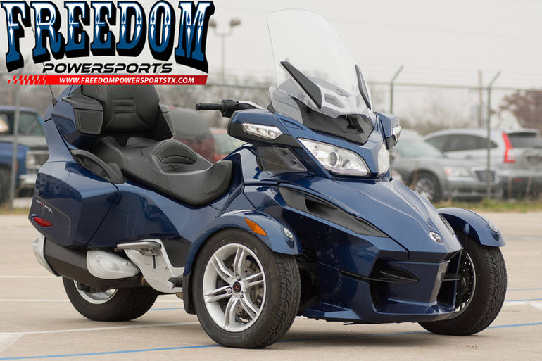 2011 Can-Am Spyder Roadster RT Audio And Convenience, motorcycle listing
