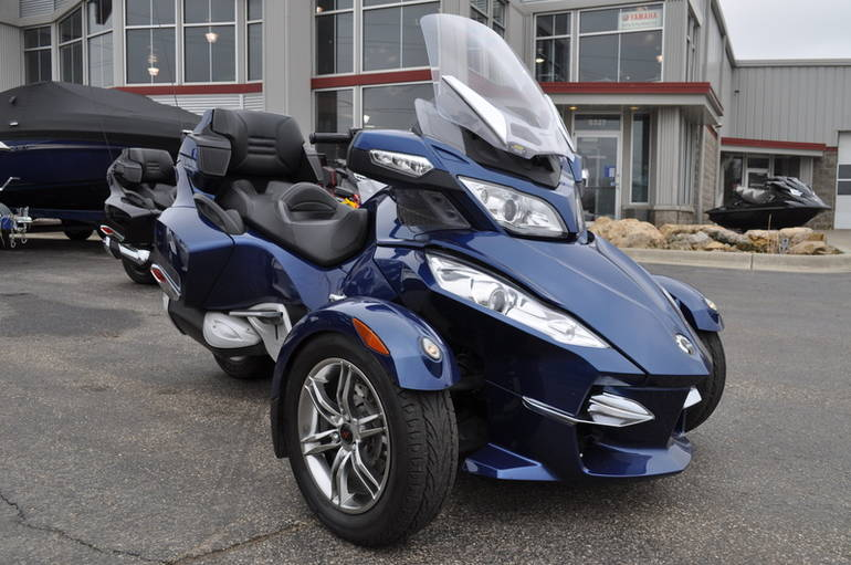 2011 Can-Am Spyder Roadster RT-S, motorcycle listing