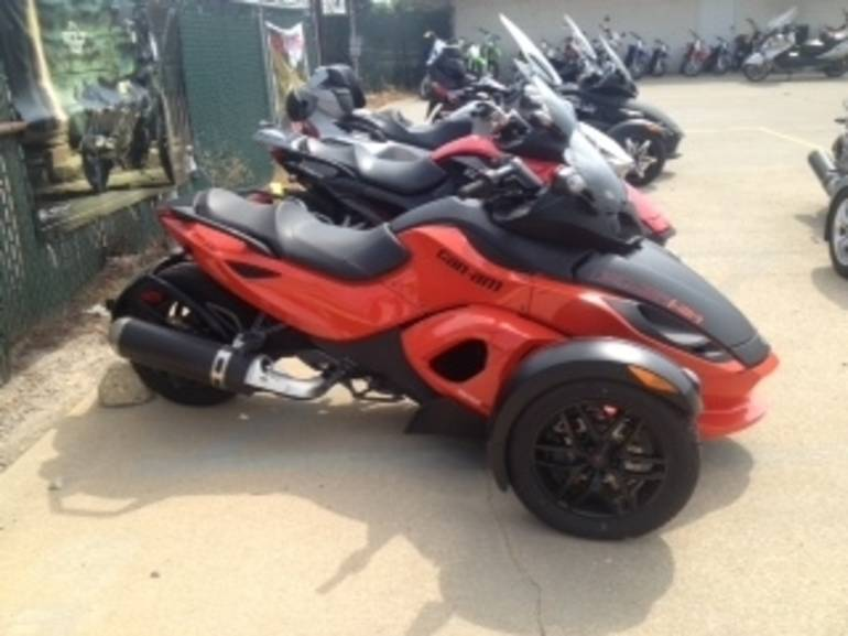 2012 Can Am RSS SE5, motorcycle listing