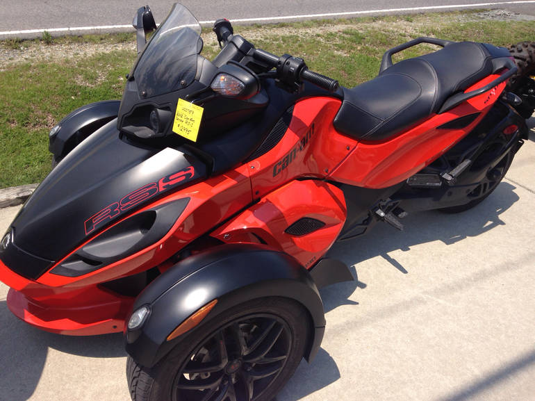 2012 Can-Am Spyder RSS, motorcycle listing