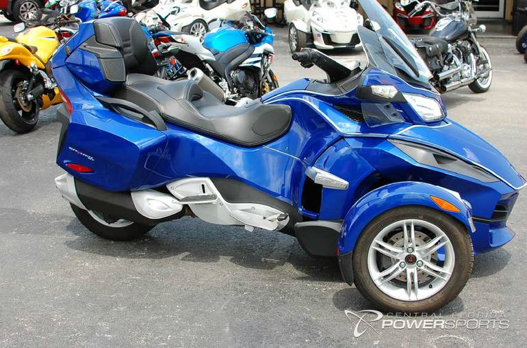 2012 Can-Am Spyder RT Audio & Convenience SE5, motorcycle listing