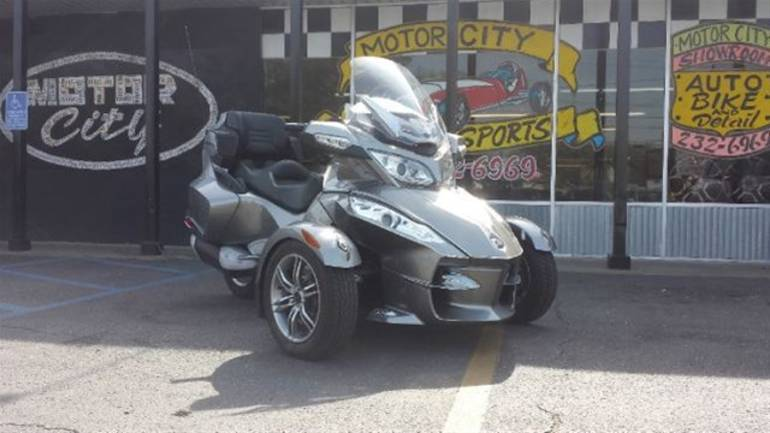 2012 Can-Am Spyder RTS, motorcycle listing