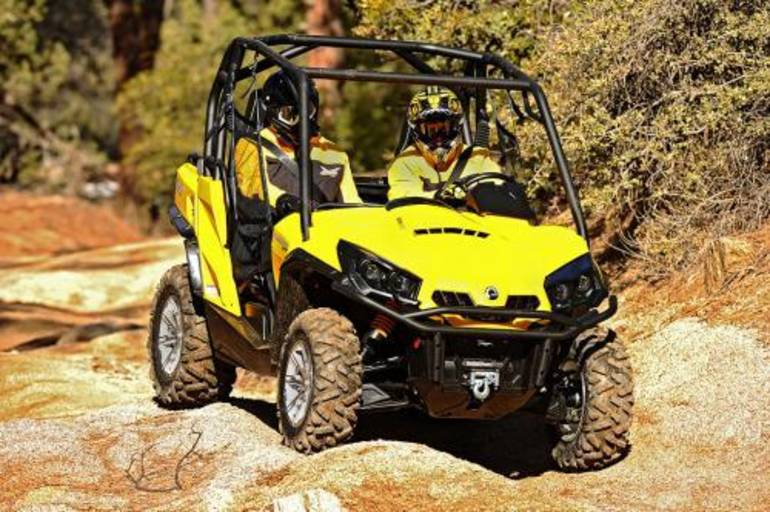 2013 Can Am COMMANDER 1000 XT, motorcycle listing