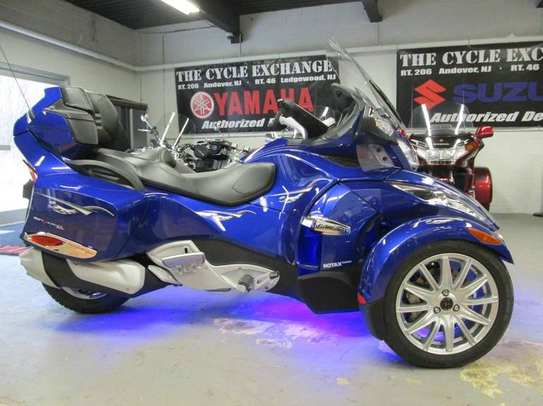 See more photos for this Can-Am Spyder RT-S SM5, 2013 motorcycle listing