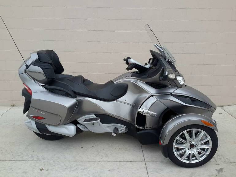 2013 Can-Am Spyder RT SE5, motorcycle listing