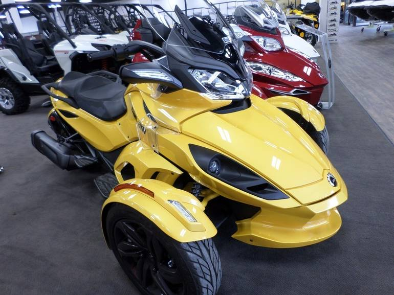2013 Can-Am Spyder ST-S , motorcycle listing