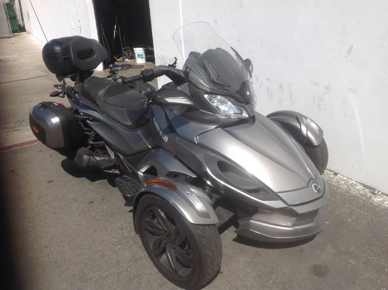 2013 Can-Am Spyder ST-S SE5, motorcycle listing