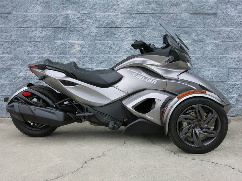 2013 Can-Am Spyder ST-S SM5, motorcycle listing