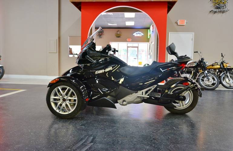 2013 Can-Am Spyder ST SE5, motorcycle listing