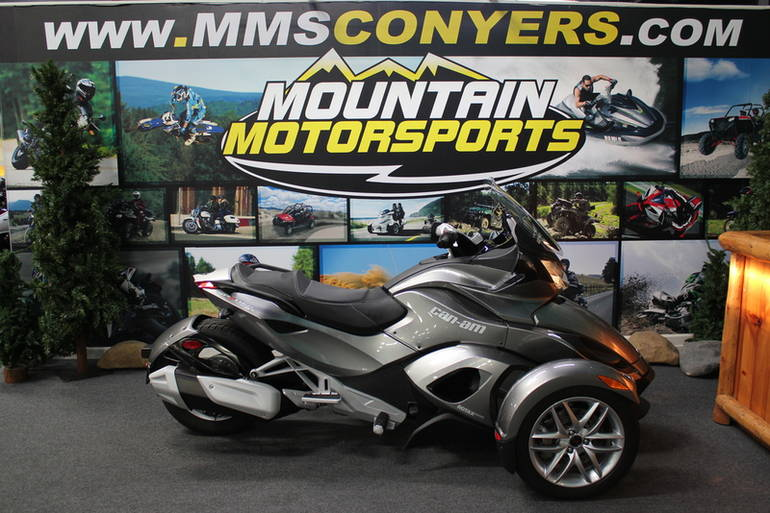 2013 Can-Am Spyder ST SM5, motorcycle listing