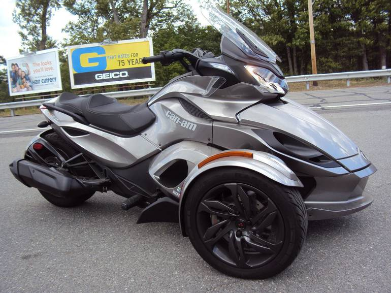 2013 Can-Am Spyder STS, motorcycle listing