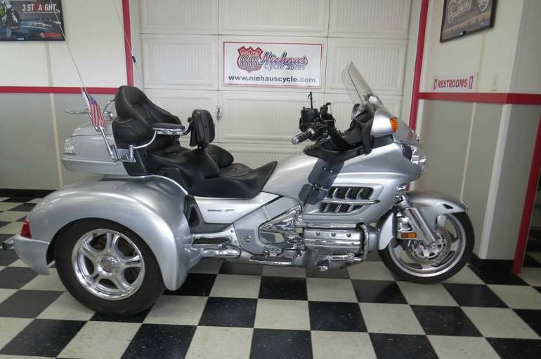 2007 Champion Trikes Honda Goldwing GL 1800 Trike Kit, motorcycle listing