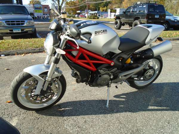 2009 Ducati Monster 1100, motorcycle listing