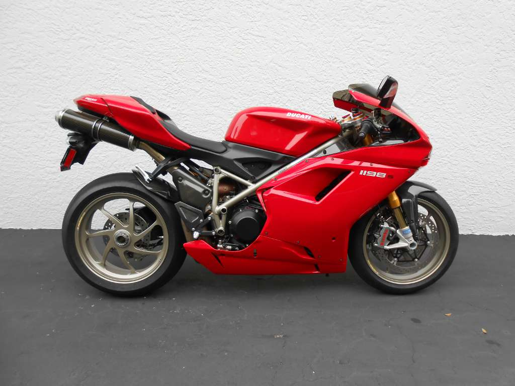 2009 Ducati Superbike 1198 S, motorcycle listing