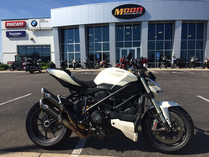 2010 Ducati Streetfighter, motorcycle listing