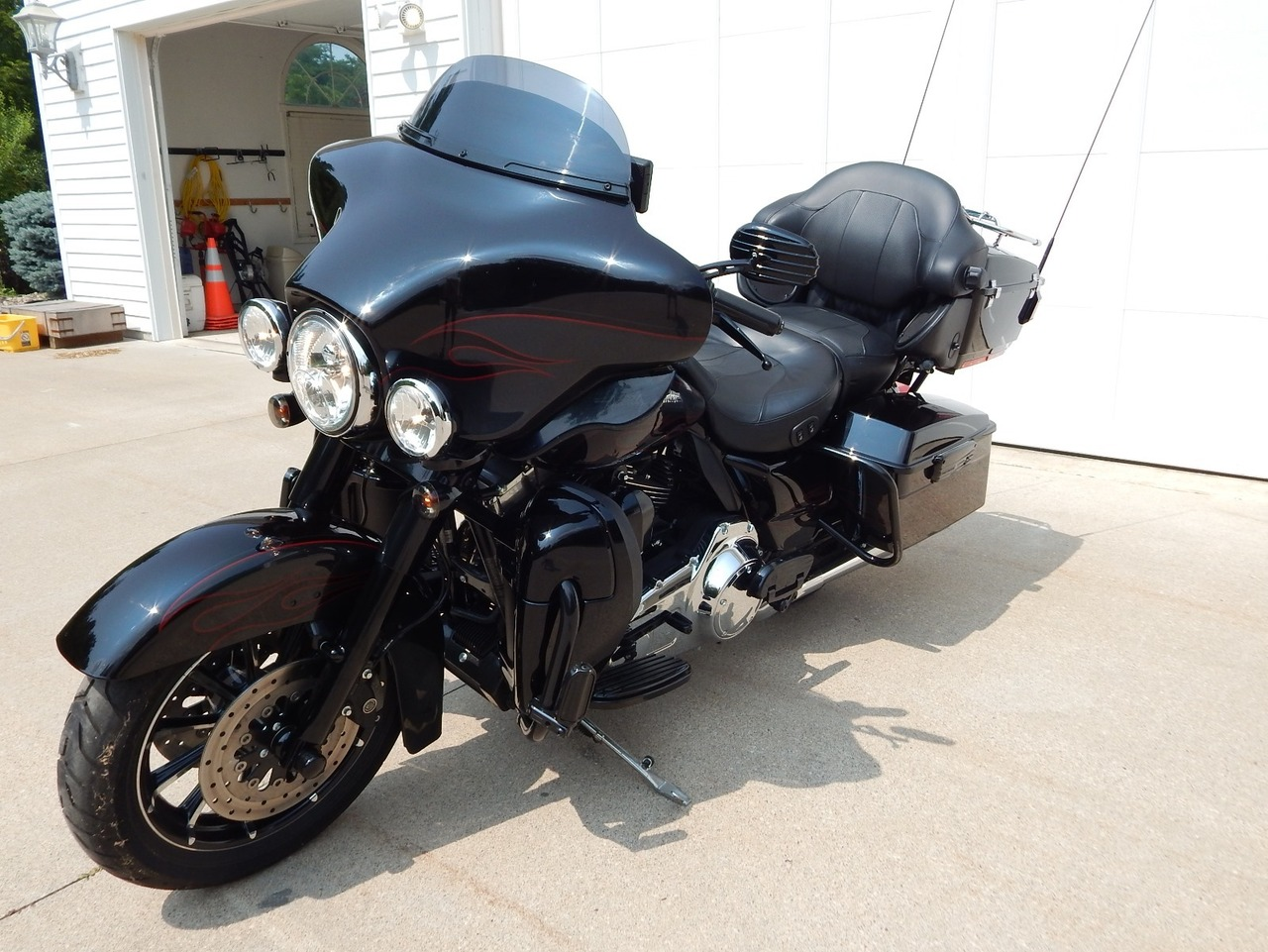 2010 Harley-Davidson Electra Glide CVO ULTRA CLASSIC, motorcycle listing