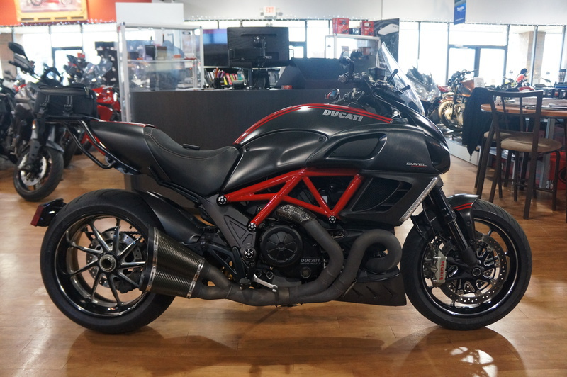 2011 Ducati Diavel Carbon, motorcycle listing