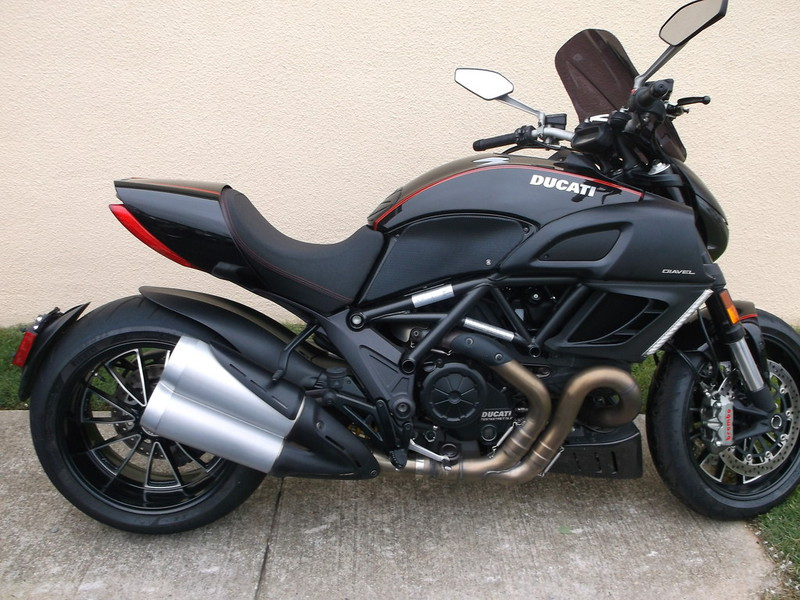 2011 Ducati Diavel, motorcycle listing