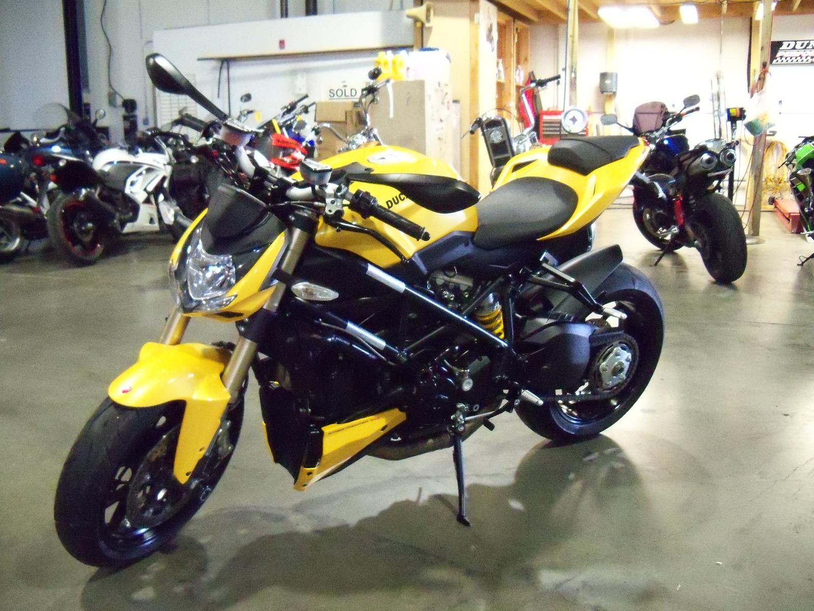 2012 Ducati STREET FIGHTER 848, motorcycle listing