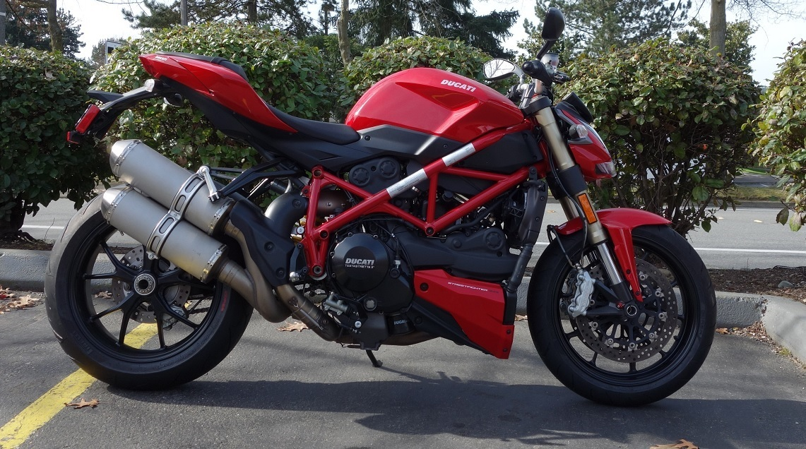 2013 Ducati 848 STREETFIGHTER DEMO, motorcycle listing