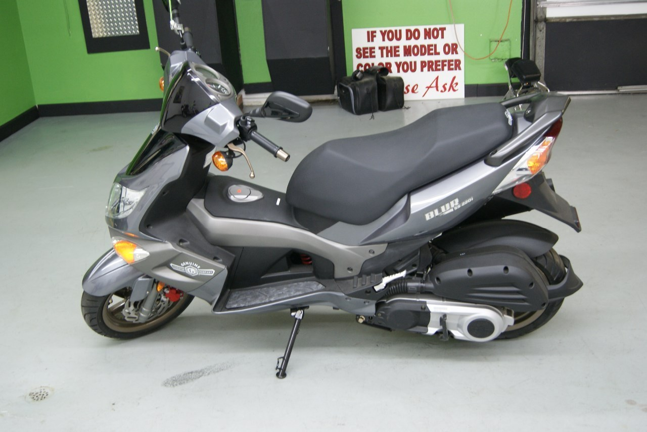 2013 Genuine Scooter Company BLUR, motorcycle listing