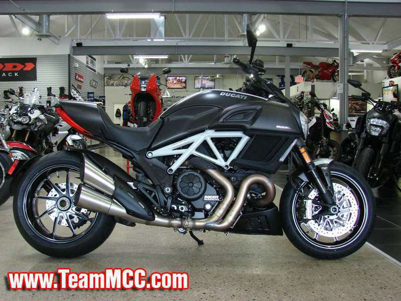 2015 Ducati Diavel Carbon, motorcycle listing